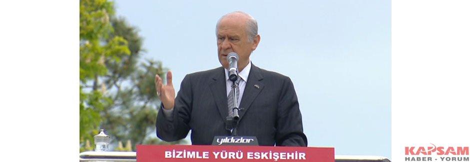 Bahçeli Eskişehir'de Başbakan ve Cumhurbaşkanı'na yüklendi