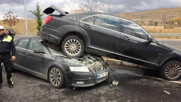 Bahçeli'nin Tunceli ziyareti sonrası zincirleme trafik kazası