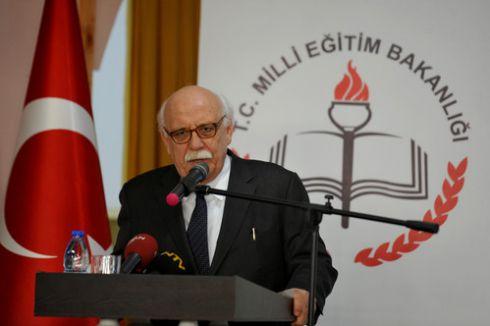 Bakan Nabi Avcı'dan Türk okulları açıklaması