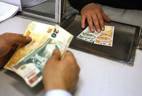 Bankacılık sektörünün karı azaldı...