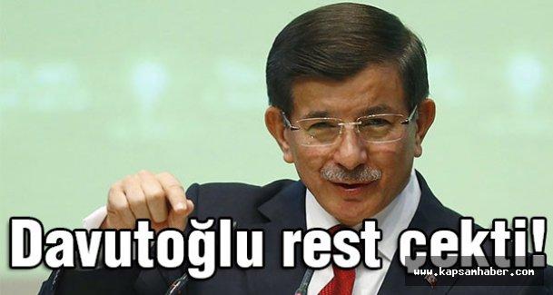 Başbakan Davutoğlu, Rest Çekti