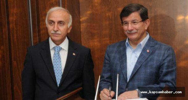 Başbakan Davutoğlu Samsun Valisi Şahin'i ziyaret etti