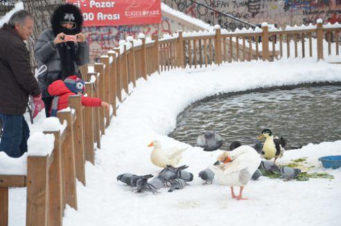 Başkent'te kar manzarası keyfi