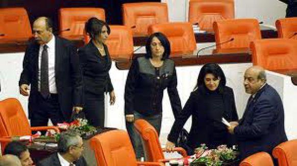 BDP'li Vekiller yemin etti...