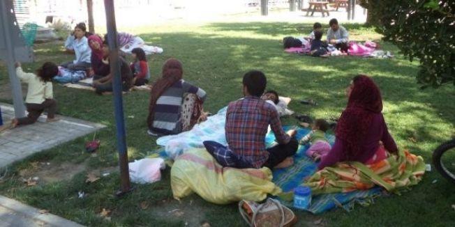 Belediye Suriyelileri ilçe dışına attı