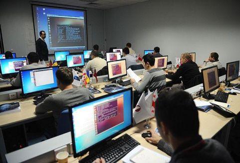 Beyaz hackerlar eğitime başlıyor...