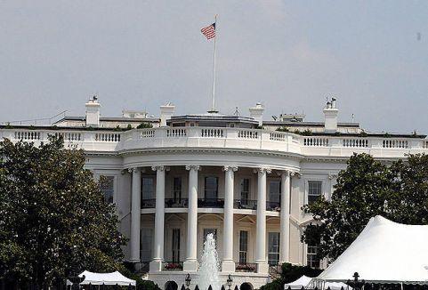 Beyaz saray iddialara yalanlama...