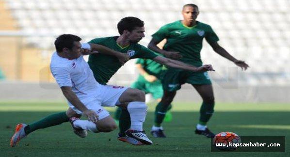 Bursaspor, hazırlık maçında rakibin 4-0 mağlup etti.