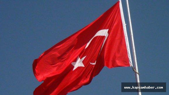 Çankırı'nın dağ zirvesine dev bayrak çekildi