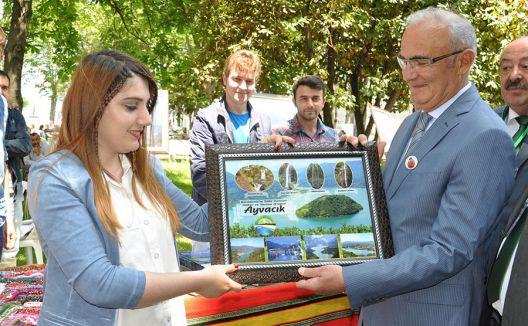 Çarşambalılar gününde Ayvacık belediyesi stand açtı