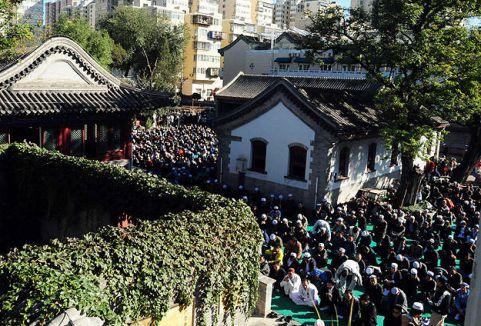 Çin'de camide izdiham