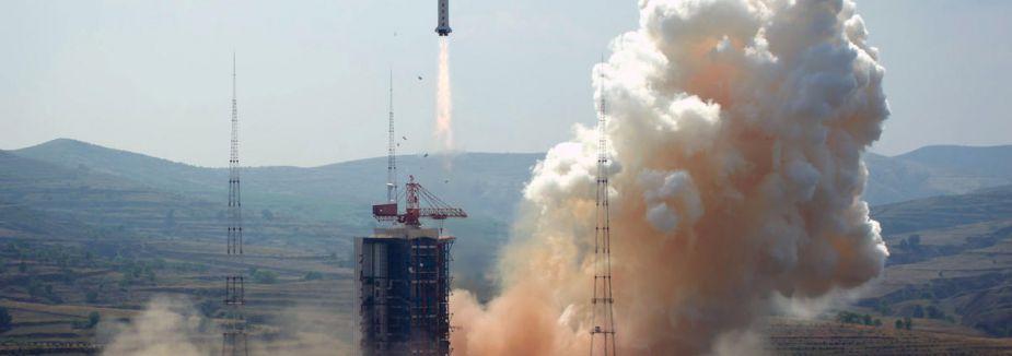 Çin'in uzay mekiği Ay'a indi