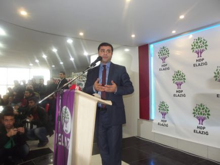 Demirtaş:'En büyük zararı İslamiyet görüyor'