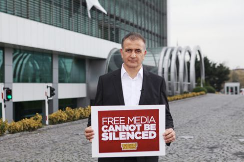Ekrem Dumanlı, Washington Post'a yazdı: Türkiye'de medyaya karşı cadı avı