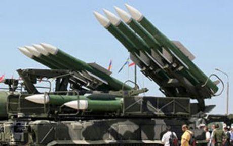 Esad Scud Füzelerini Saklamaya Çalışıyor...