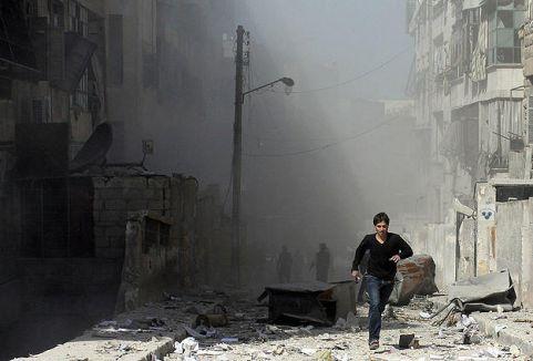 Esed bombaladı: 100 ölü