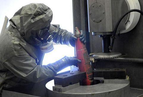 Esed'in kimyasalları imha ediliyor...