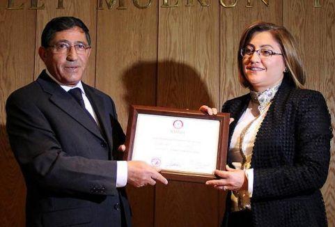Fatma Şahin mazbatasını aldı...