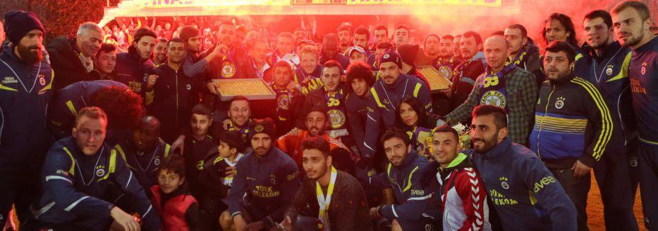 Fenerbahçe'ye coşkulu uğurlama...