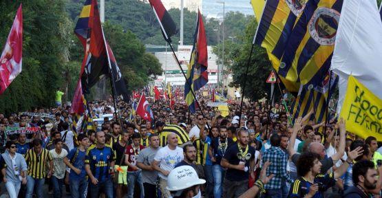 Futbolun Tüm Renkleri Taksimde...