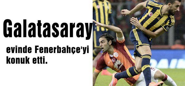 Galatasaray evinde Fenerbahçe'yi konuk etti.