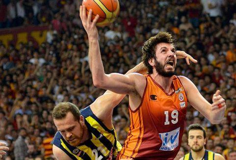 Galatasaray seride durumu 2-1'e getirdi