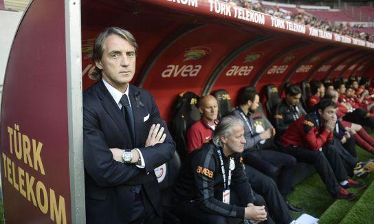Galatasaray'da kalıyorum