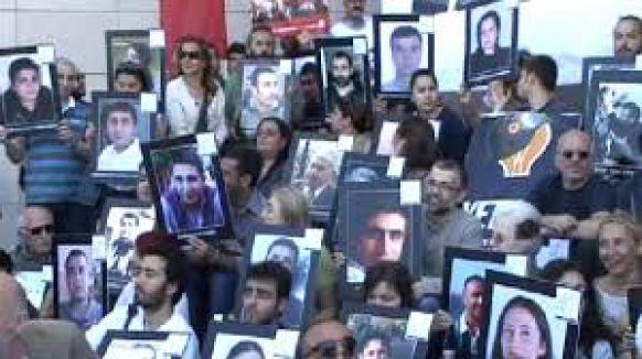 Gazeteciler Çağlayan'daki eylemcilere destek verdi