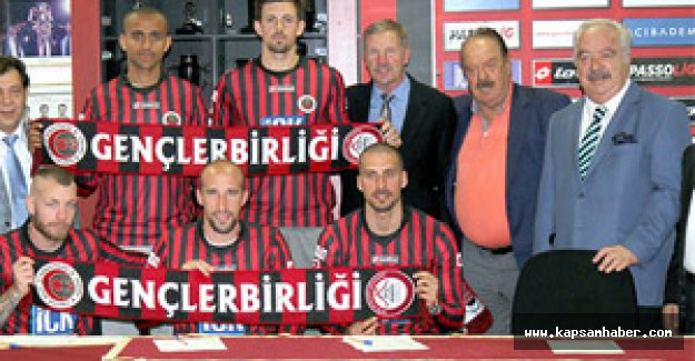 Gençlerbirliği, teknik direktör Baxter ve 5 futbolcu ile sözleşme imzaladı