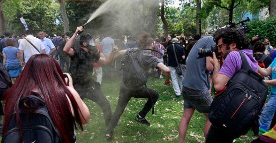 Gezi Parkı 3 Saat Açık Kalabildi...