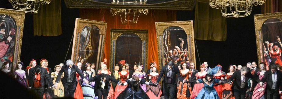 Halk operayı sevdi...