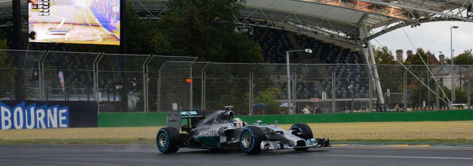 Hamilton Çin'de ilk sırada