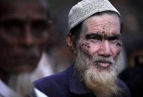 Hindistan'da Müslüman köylere saldırı...