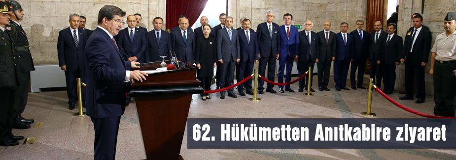 Hükümet Anıtkabiri ziyaret etti