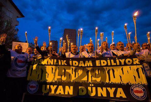 İdam kararına Mısır'ın Ankara Büyükelçiliği önünde protesto ...