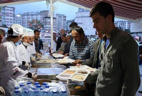 İlk iftar açıldı