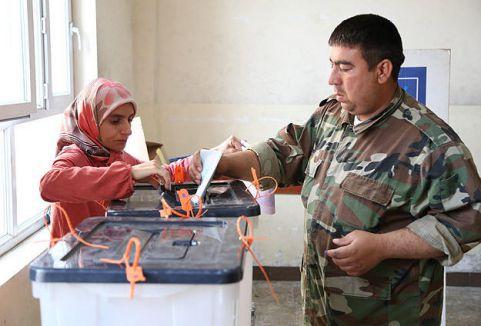 Irak'ta özel seçimler başladı...