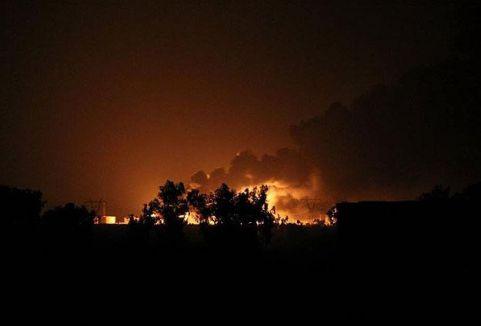 IŞİD'in petrol rafinerileri vuruldu...