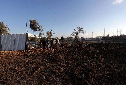 İsrail ekili alanlara saldırdı...