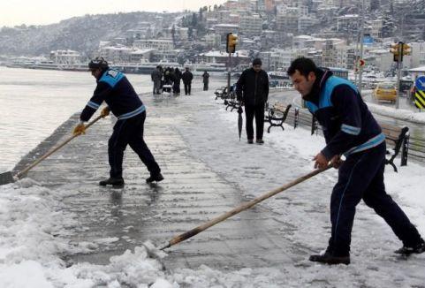 İstanbul'da karla mücadele sürüyor