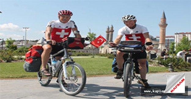 İsviçreli gezginler, Sivas'a hayran kaldı