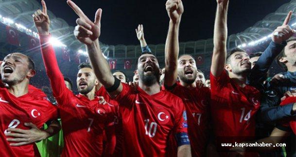 İzlanda'yı deviren Türkiye, EURO 2016'ya direkt uçtu