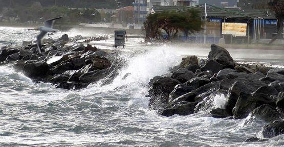Karadeniz ve Ege'de fırtına...
