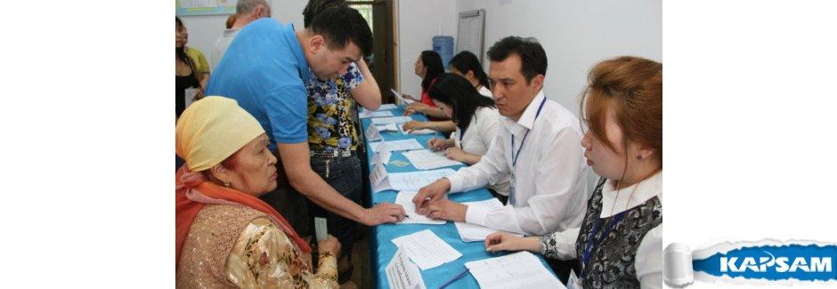 Kazakistan'da halk sandık başına gitti