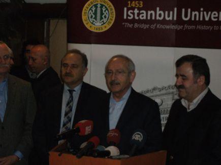 Kemal Kılıçdaroğlu, Yaşar Kemal'i hastanede ziyaret etti