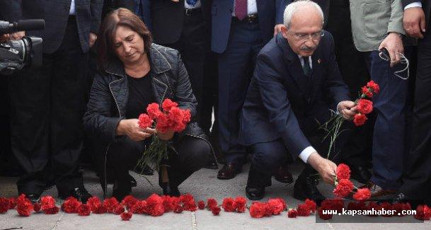 Kılıçdaroğlu, eşi ile patlama noktasına karanfil bıraktı