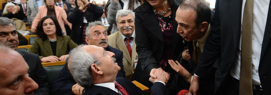 Kılıçdaroğlu'na geçmiş olsun dilekleri...
