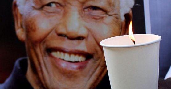 Mandela 15 Aralık'ta defnedilecek...