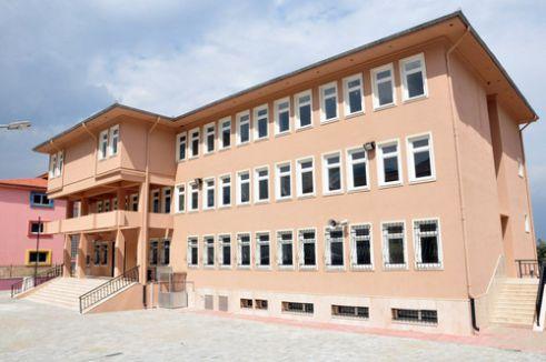 Manisa'da devlet okulları problemlerle boğuşuyor