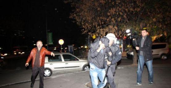 Marmara üniversitesin'de ülkücülere saldırı
